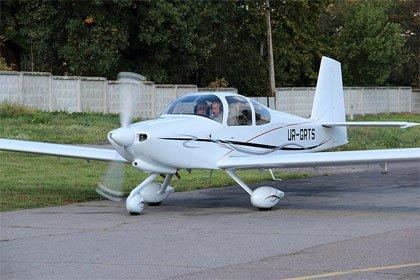RV-10 збірка літака